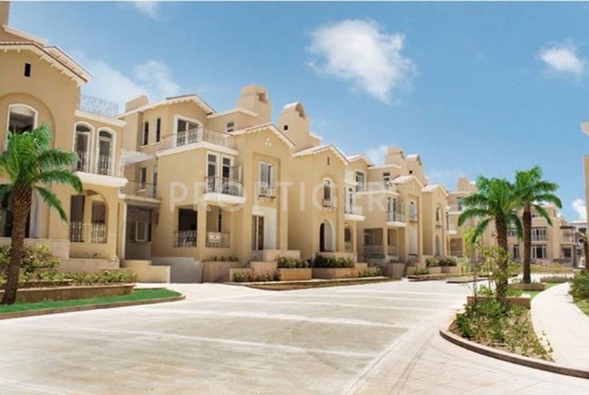 Taking a look at some of Gurgaon's top villa projects hot sun